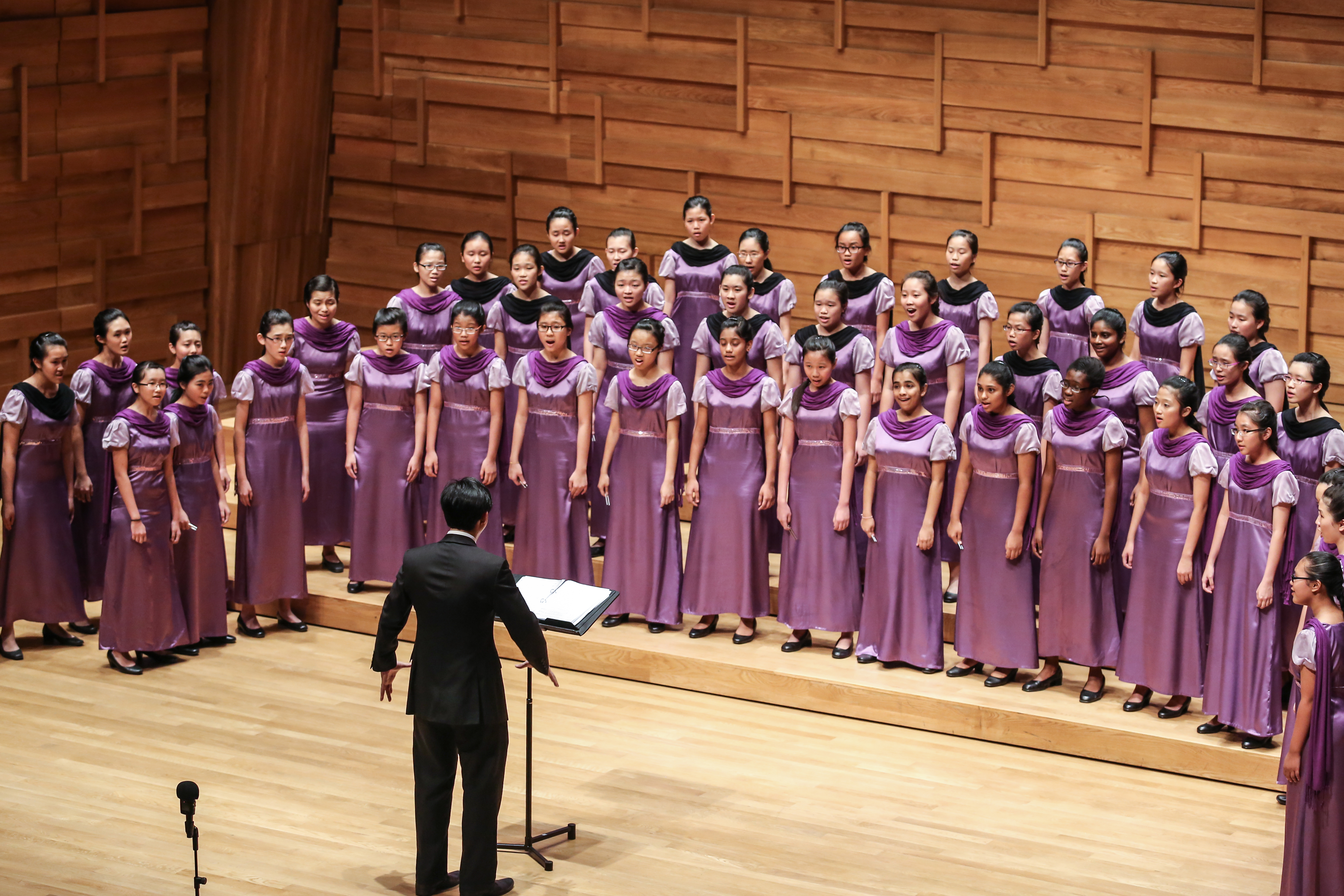 Crescent Choir Performing